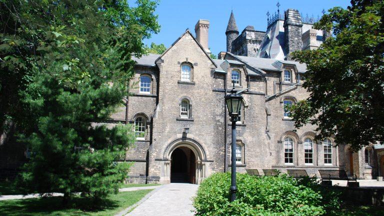 加拿大重新开放部分学校留学生入境